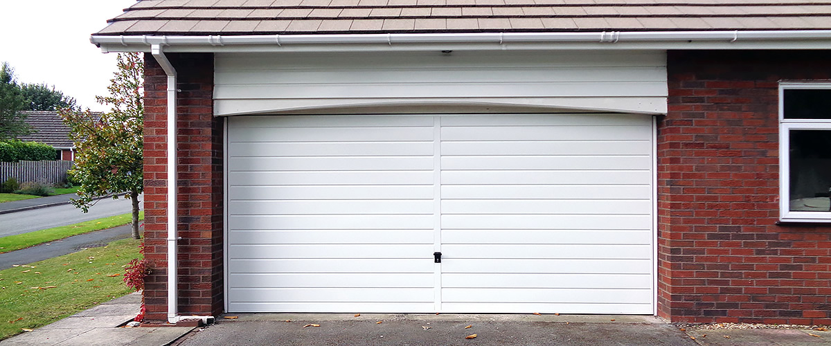 retractable and canopy garage doors from e-ryder